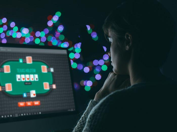 Uzależnienia od internetowego hazardu to jeden zrodzajów siecioholizmu