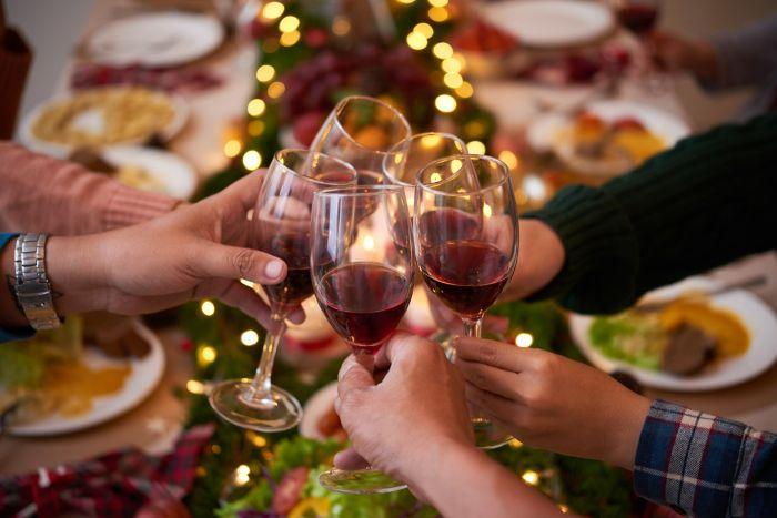 Kieliszek alkoholu zapewni dobre trawienie iniewątpliwie poprawi nastrój