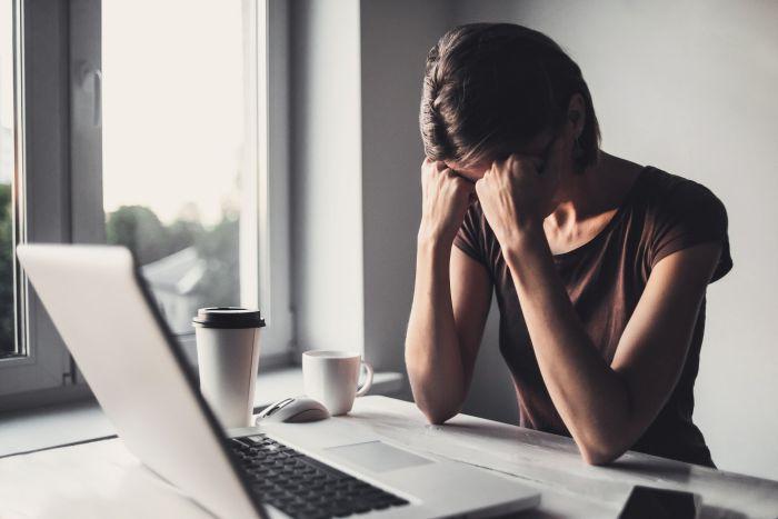 Uzależnienie od internetu może skutkować depresją