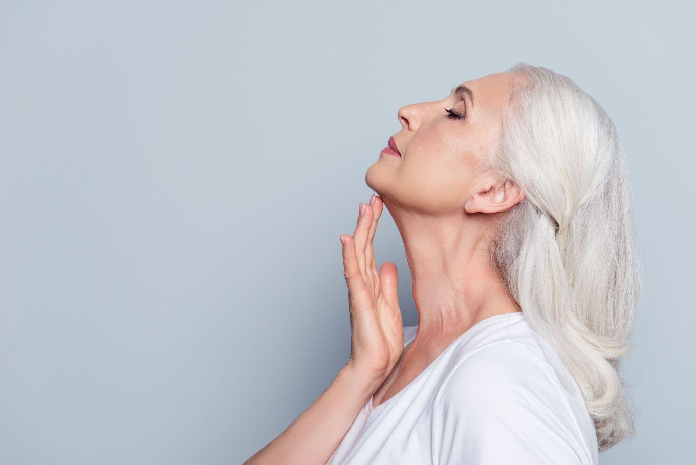 Kobieta, matka 50+ dba oswoje zdrowie iurodę