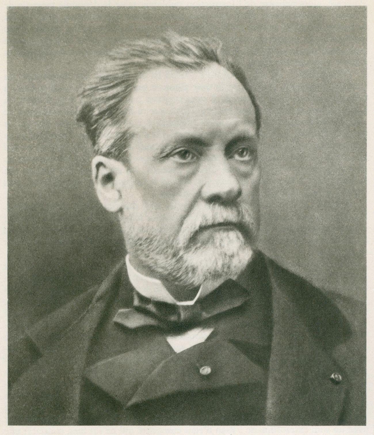 Louis Pasteur - opracował pierwszą szczepionkę ochronną przeciwko wściekliźnie przeznaczoną dla ludzi.