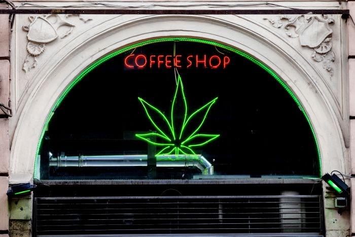 Coffee shopy to miejsca, wktórych można legalnie kupować ipalić marihuanę
