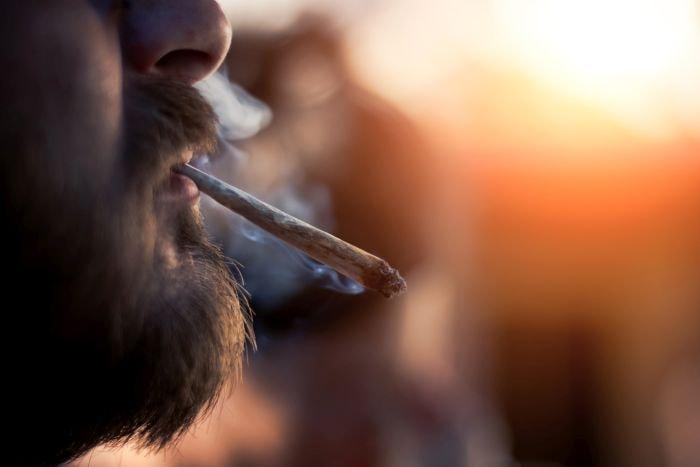 Palenie marihuany może powodować negatywne skutki zdrowotne