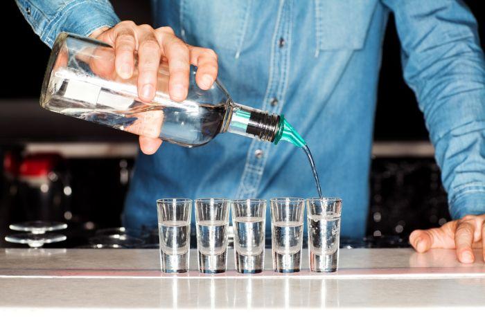 Niemal każdego dnia ludzie tracą życie zpowodu nadużywania alkoholu