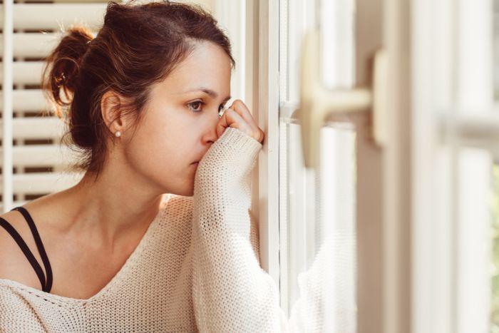Depresję, wprzeciwieństwie dosmutku, należy leczyć