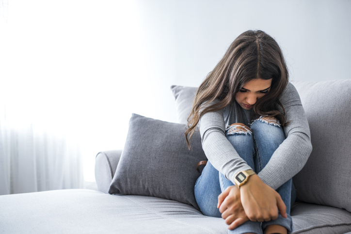 Objaw schizofrenii to wycofywanie się zcodziennych aktywności.